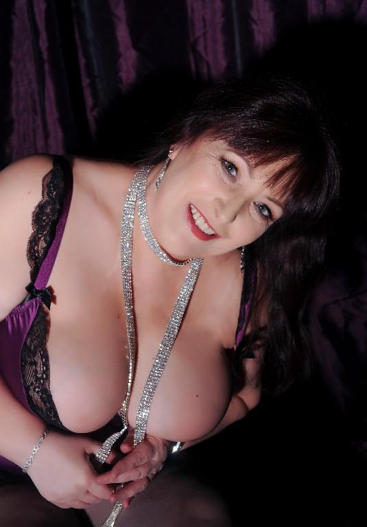 Your mature independent female escorts